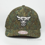MITCHELL & NESS CHICAGO BULLS ABSTRACT CAMO SNAPBACK CAMO