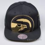 MITCHELL & NESS NBA PATENT CROPPED SNAPBACK ATLANTA HAWKS BLACK/GOLD