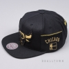 MITCHELL & NESS NBA PATENT CROPPED SNAPBACK CHICAGO BULLS BLACK/GOLD