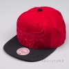 MITCHELL & NESS NBA CROPPED SATIN SNAPBACK CHICAGO BULLS RED/BLACK
