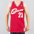 MITCHELL & NESS NBA SWINGMAN JERSEYS CLEVELAND CAVALIERS 2003-04 / LEBRON JAMES Nr. 23 RED/GOLD