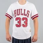 Mitchell & Ness NBA Name/Number Mesh V-Neck Chicago Bulls / Scottie Pippen White/Red
